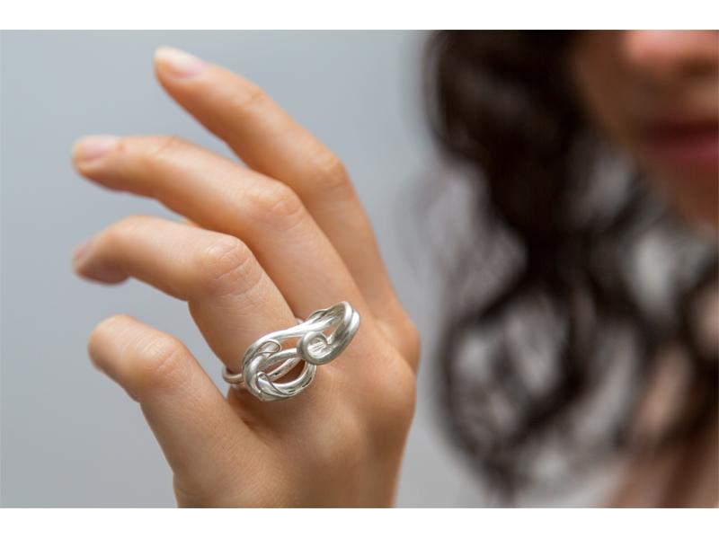 olivia ring hand