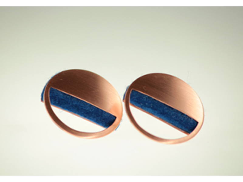 cut out earring scale