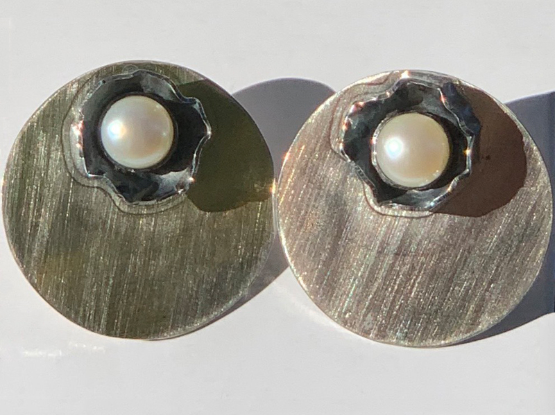 Stone-setting-pearls-jewellery-course-london